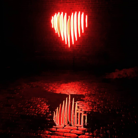 Edge-Lit Heart