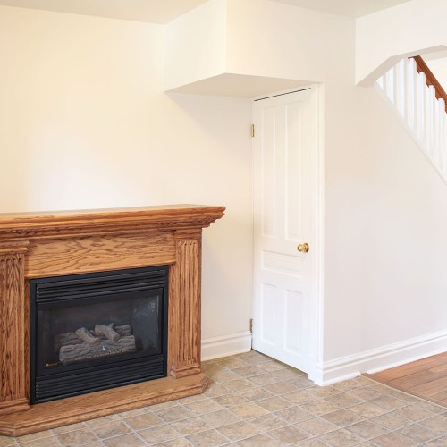 eat-in kitchen with fireplace
