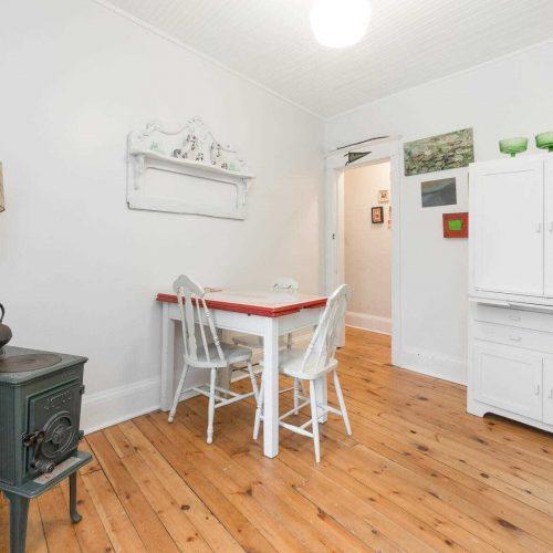 Bedroom 2/Dinning Room